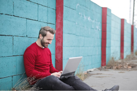 3 Tips for Writing a Great First Online Dating Message